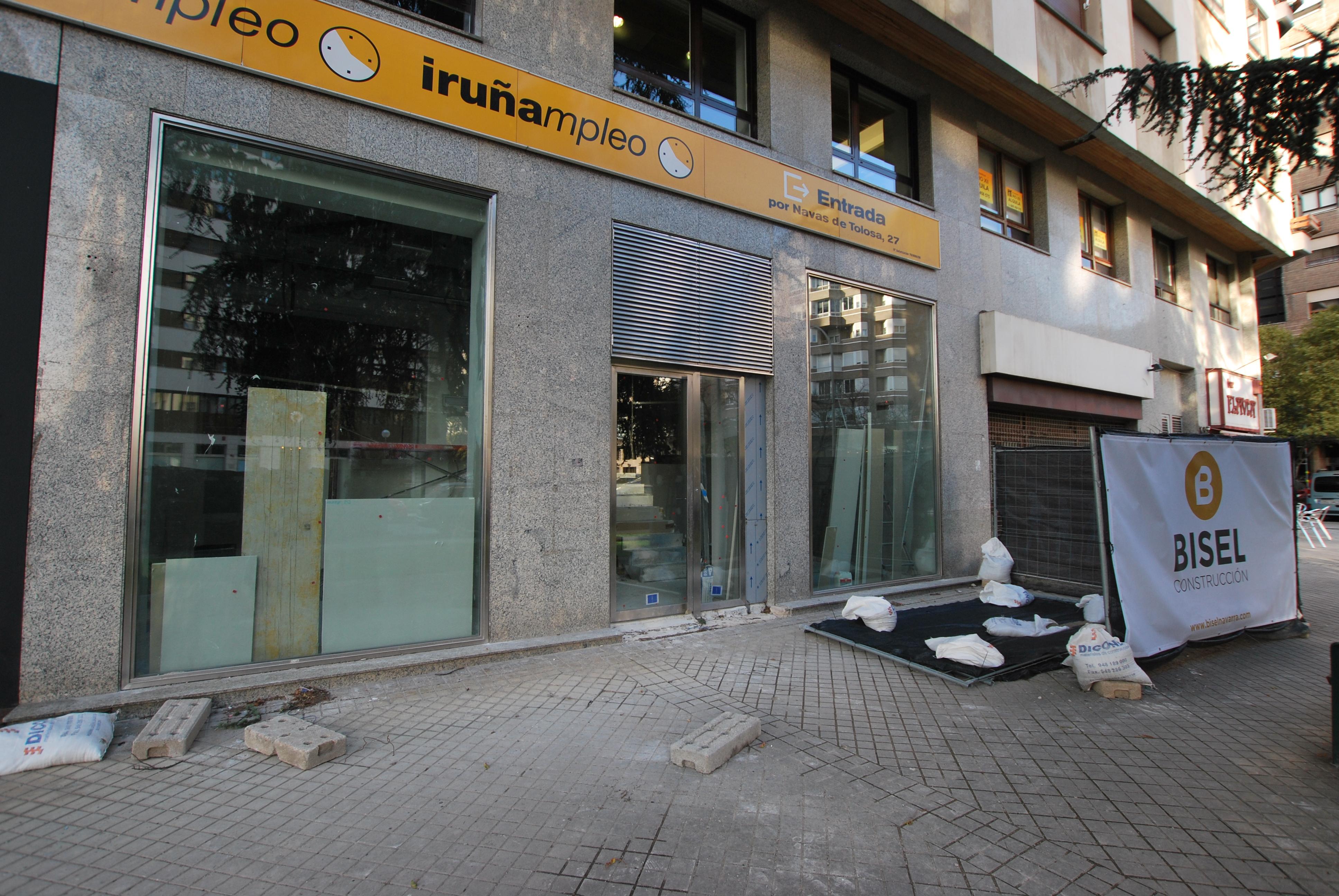 Habilitaci n de local para oficinas en la calle padre for Oficinas bankia pamplona